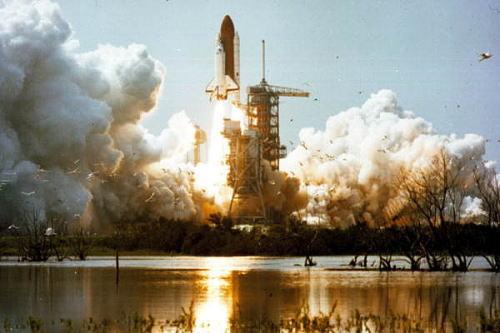 スペースシャトルの打ち上げ