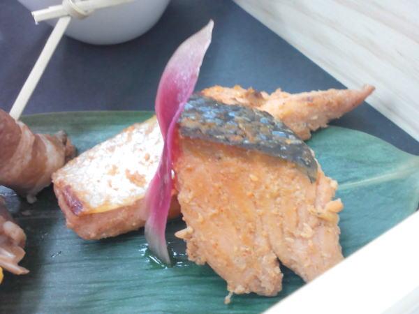 鮭の塩麹とコチュジャン漬け焼き