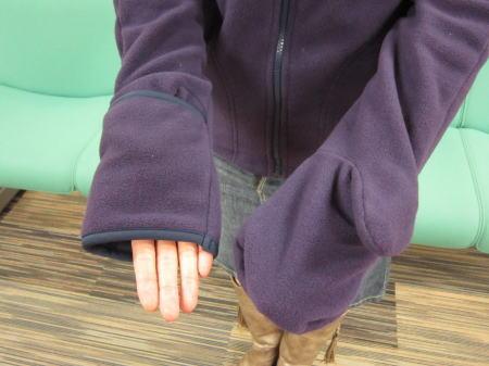手袋つきフリースブルゾンの袖口